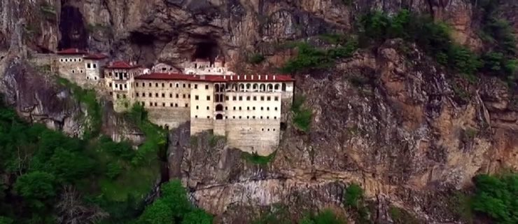 Η Τουρκία διεκδικεί κειμήλια της Παναγίας Σουμελά