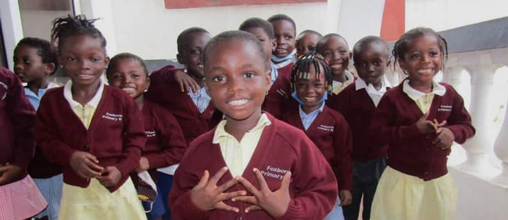 Μαθητές σε σχολείο στην Γκάνα χορεύουν Ποντιακά!